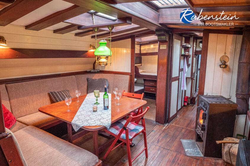 Hier der Salon des Traditionsschiffes Mathilde